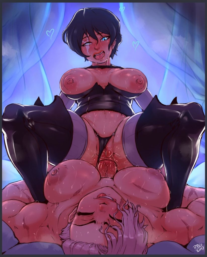 Thick girl riding a muscular futas dick