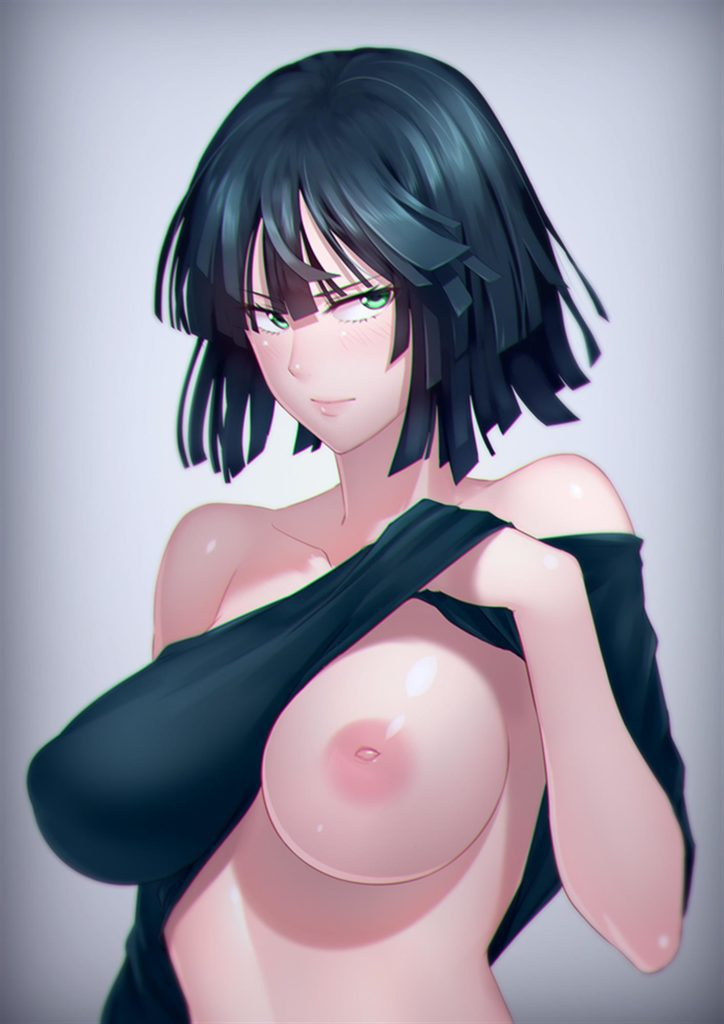 Fubuki lifting her shirt